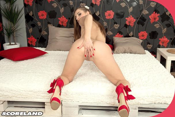 PornMegaLoad Suzie Sun The Girl In Red Shoes Scoreland 3gp mobil sex (1)