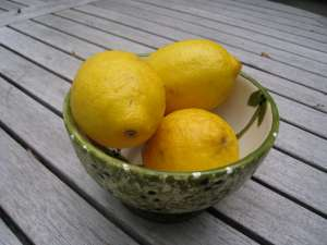 To make fresh citron presse, start with bright, sunny lemons!