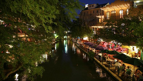 Dining Al Fresco in San Antonio