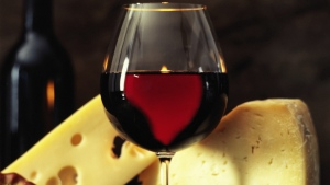 French study finds wine tastes better with cheese