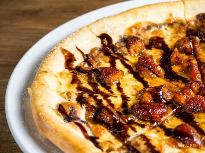 Banana Nutella Pizza