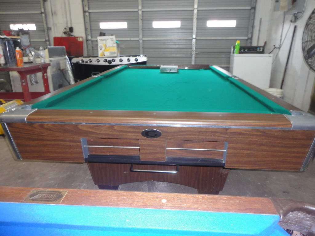 9ft Big G Gandy Pool Table