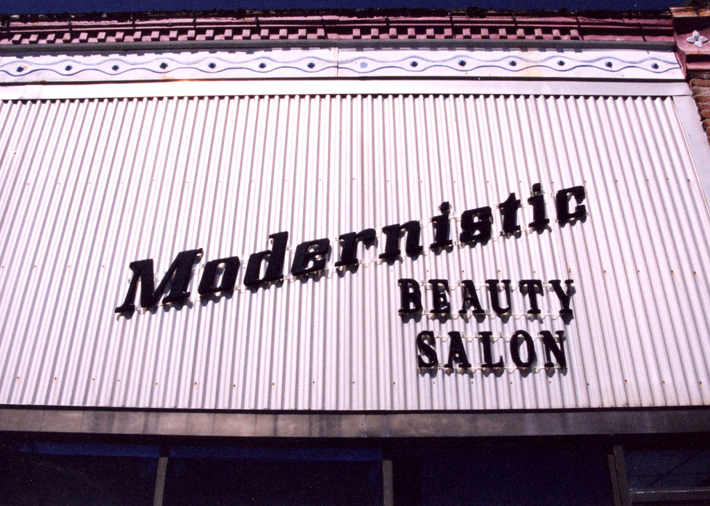 MO-Moberly - Modernistic Beauty Salon