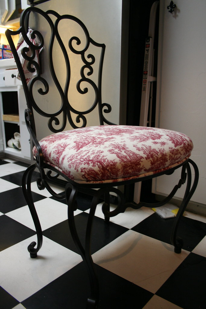 white wrought iron kitchen chairs chair cover hire lowestoft tables
