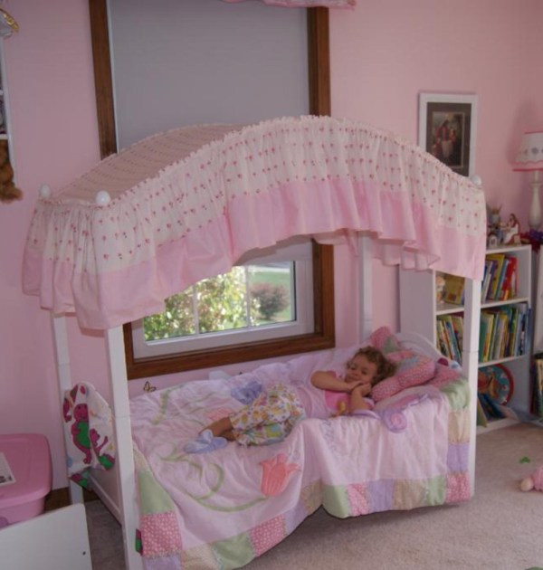 Pink Toddler Canopy Bed
