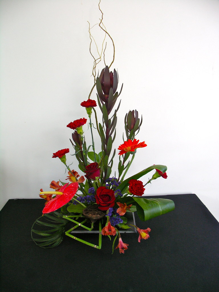 CONTEMPORARY FLORAL ARRANGEMENT FLORAL ARRANGEMENT  ALOHA FLOWERS GIFTS  Bloghr