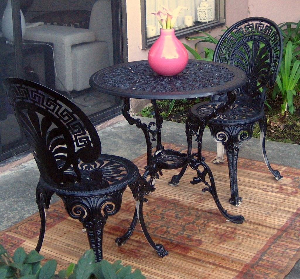 BLACK WROUGHT IRON DINING TABLE  BLACK WROUGHT IRON