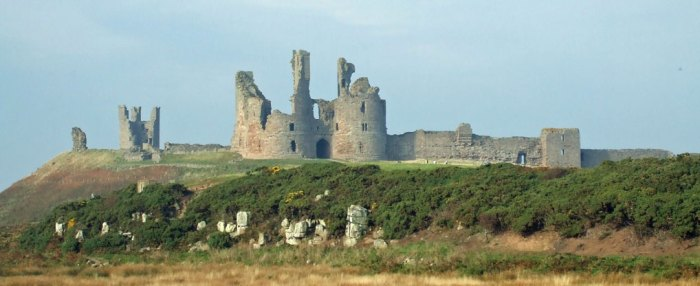 Dunstanburgh Castle, Northumbria, Wars of the Roses