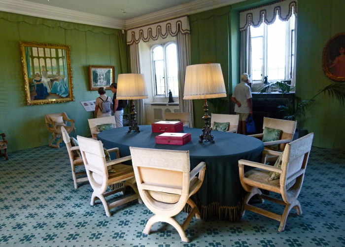 Leeds Castle, seminar room, Lady Baillie