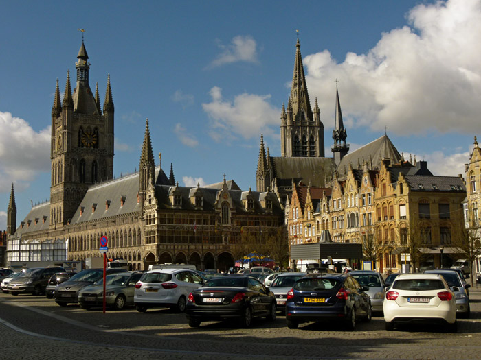 Ypres (Ieper) Grote Markt, Belgium, Britain and the First World War