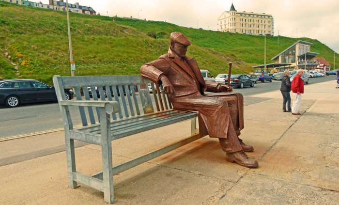 Freddie Gilroy and the Belsen Stragglers, sculpture in Scarborough by Ray Lonsdale