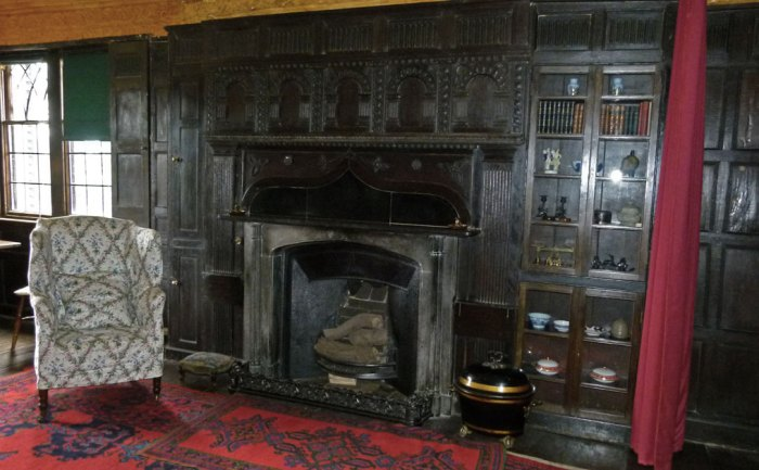 Boscobel House - the parlour.