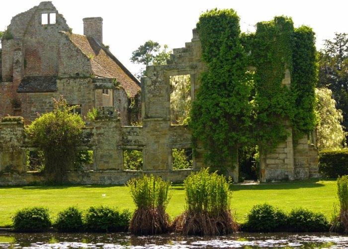 Scotney Castle, romantic ruins, Kent