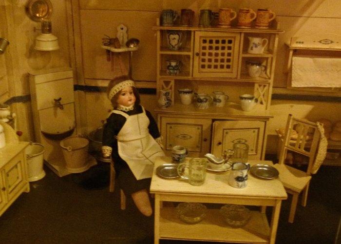 Sudbury Museum of Childhood - German dolls' house