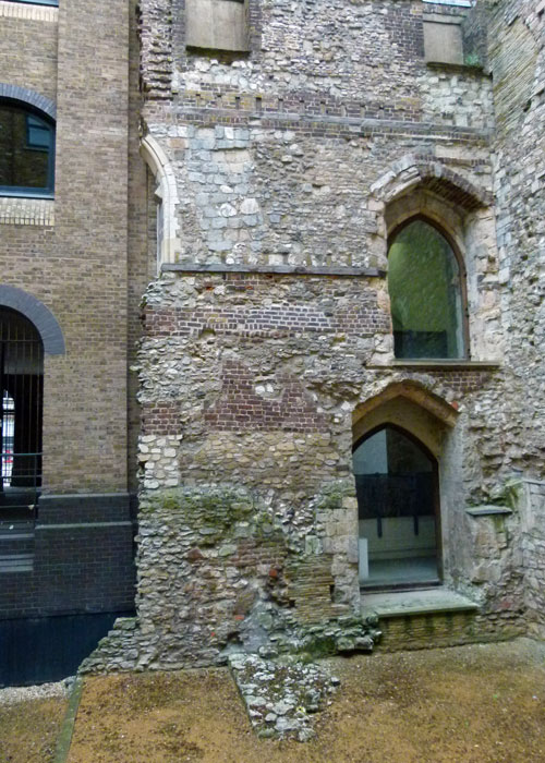 Winchester Palace - warehouses were built around it.