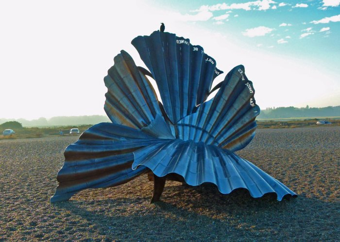 The Scallop, by Maggi Hambling, on Aldeburgh beach.