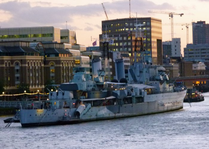 HMS Belfast, Tower Bridge