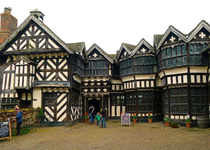 Little Moreton Hall, Cheshire, courtyard