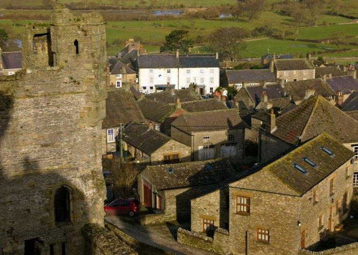 Middleham, castle, tower, Richard III