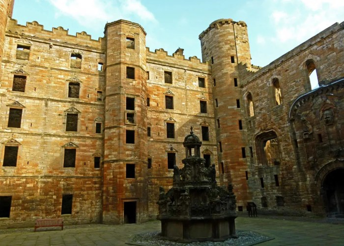 Linlithgow, palace, fountain, Scotland