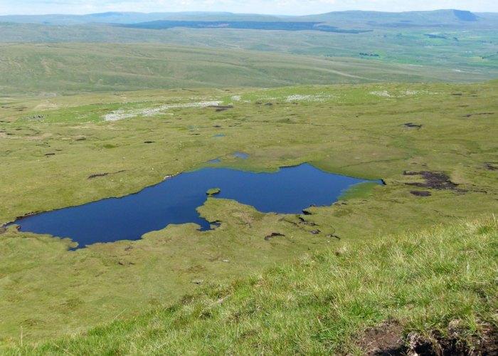 Whernside, tarn, Yorkshire Dales, Three Peaks