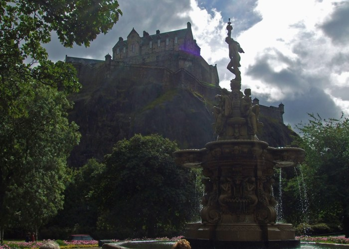Edinburgh Castle, Princes Street Gardens, Ross Fountain