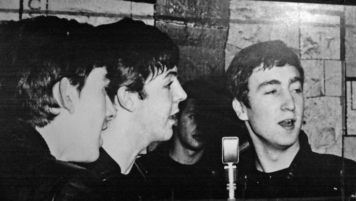 George Harrison, Paul McCartney, John Lennon, Cavern, Pete Best