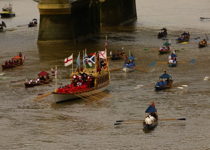 Lord Mayor's flotilla, Blackfriars Bridge