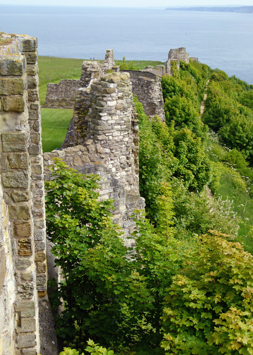 Scarborough Castle, curtain wall