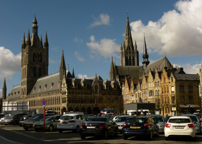 Grote Markt, Ypres, Cloth Hall