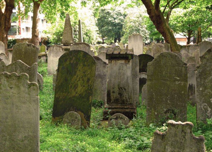 Bunhill Fields, nonconformist burial ground, London