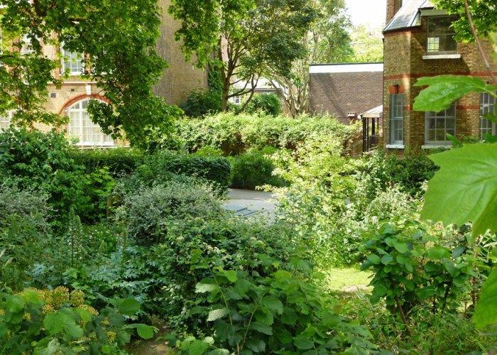 Quaker Gardens, Bunhill