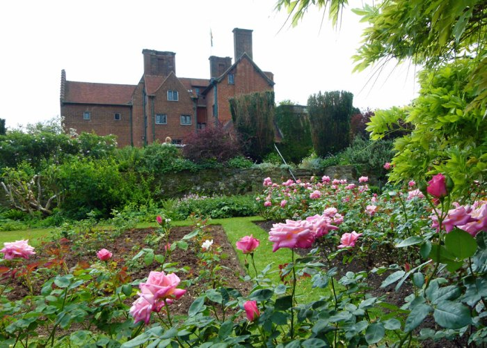 Chartwell, Lady Churchill's rose garden