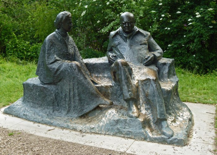Statue of Winston and Clemmie