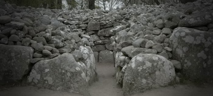 Balnuaran of Clava, Clava Cairns