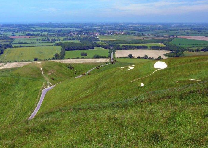 White Horse, Dragon Hill