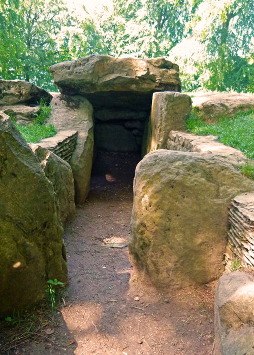 Burial Chamber, Wayland's Smithy