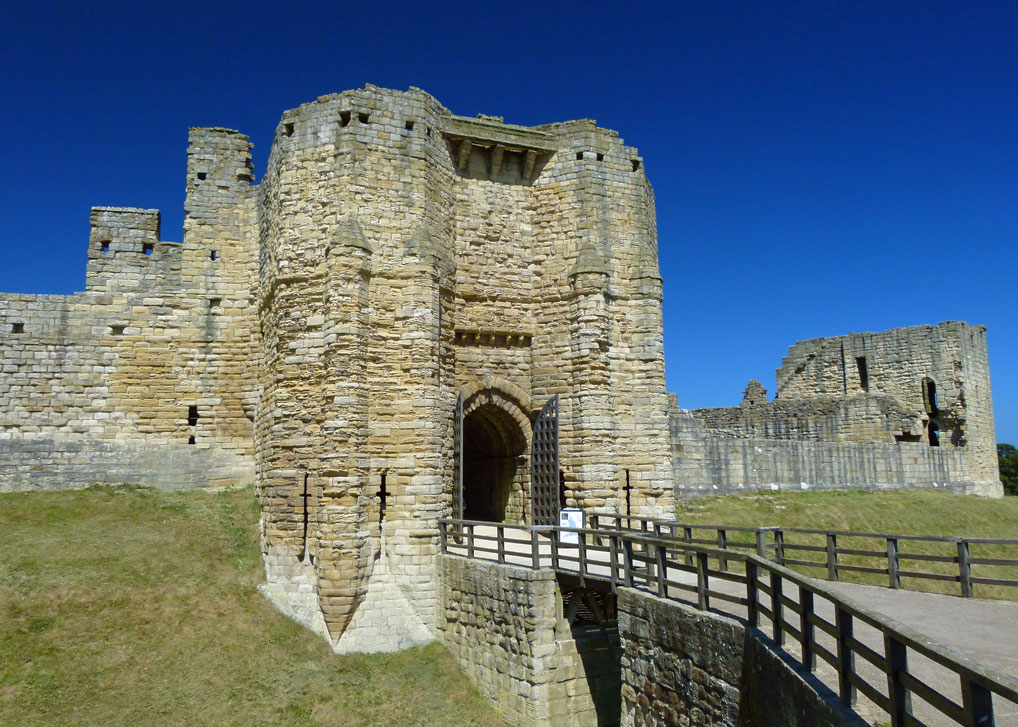 Warkworth Castle, Visit Northumbria, Gatehouse