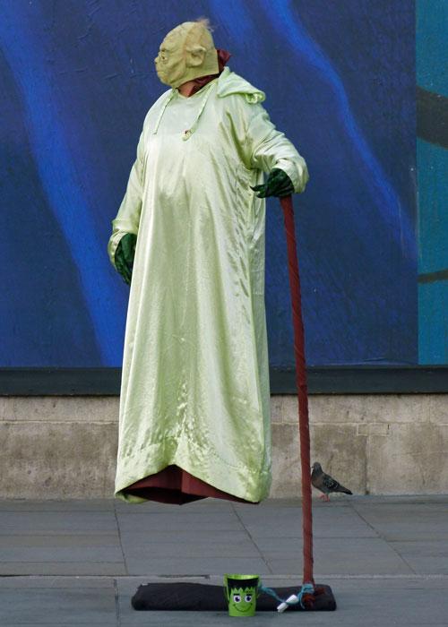 Street performers, Trafalgar Square