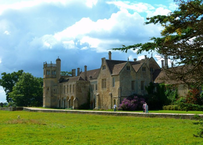 Lacock Abbey, places to visit, Wiltshire