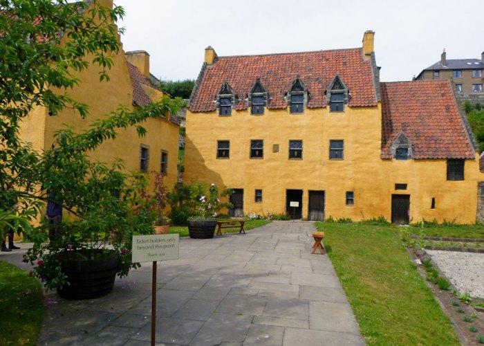 Culross Palace, visit Fife