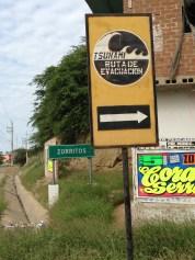 Peligro de tsunami. Algo normal en toda la cosa peruana.