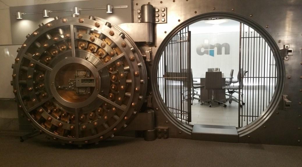 Open bank vault (Image: ahobbit/Pixabay)