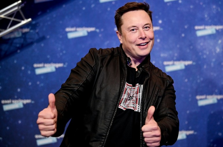 Elon-Musk-tesla-bilhões-bilionários-patrimônio-spacex-nasdaq-2021-valorização-acção-acções-bilionário-dólar-dólares-eléctrico-carros-facebook-mark-zuckerberg-bill-gates-jeff-bezos-waren-buffet-