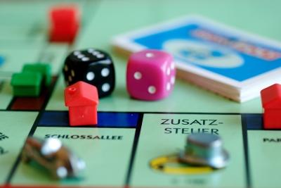 Monopolie_web_R_by_Michael Kopatz_pixelio.de