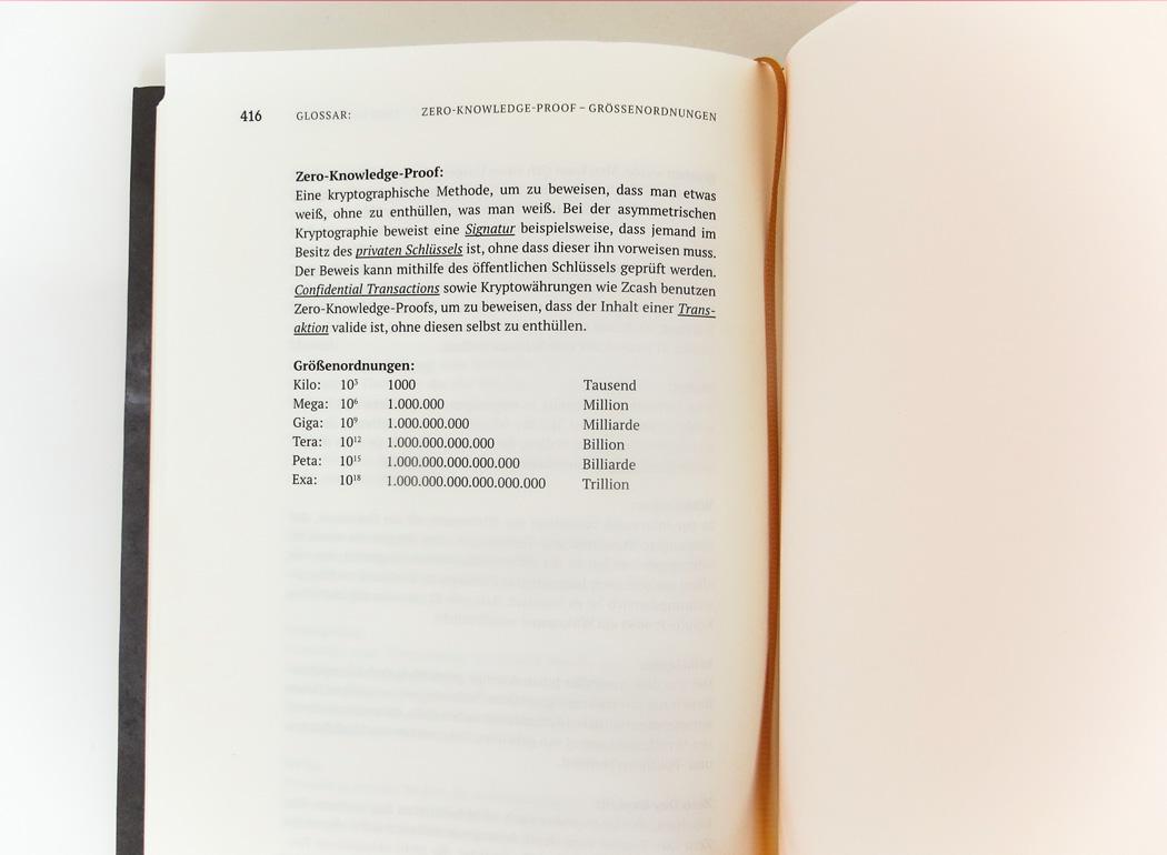 Bitcoinbuch_einzeln_geoeffnet_glossar2_900x660