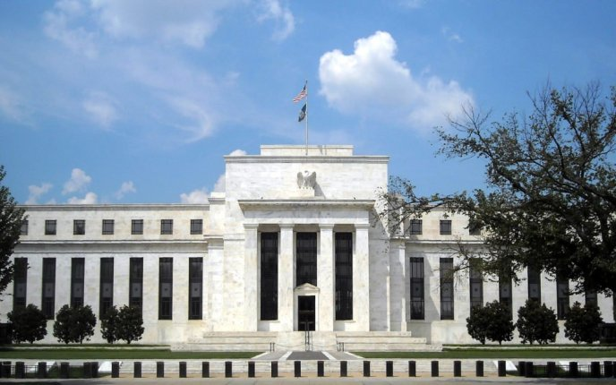 St. Louis Federal Reserve Bank: 3 Qualities Bitcoin and Cash Share
