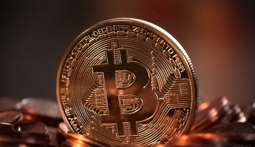 Bitcoin Holds Stubbornly at ,500
