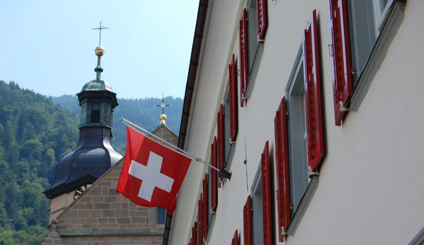 Swiss Crypto Industry Demands Banking Services