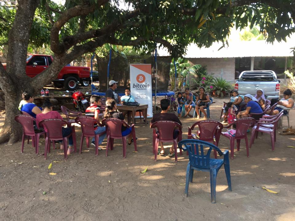Bitcoin training classes in El Zonte, El Salvadore.
